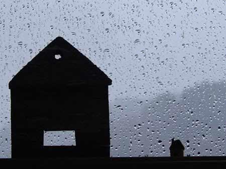 Merawat Rumah Ketika Hujan