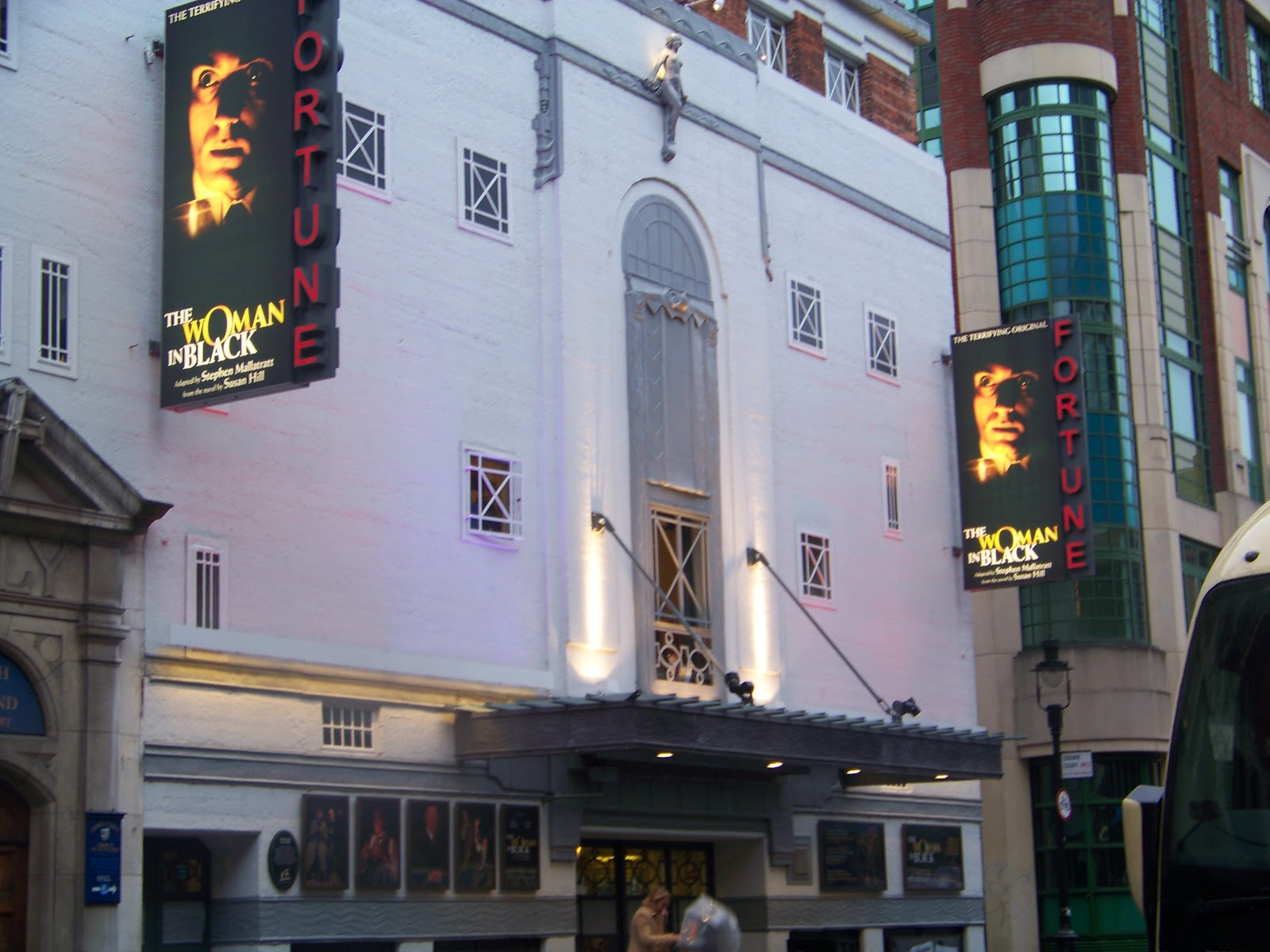 Rooms Of Reviews Fortune Theatre Covent Garden London