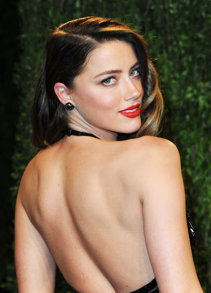 Amber Heard Hot at Vanity Fair Oscar Party in Hollywood  4 Pics