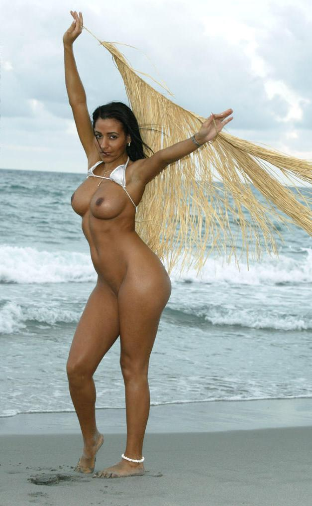 Sexy Indian Model Topless indianudesi.com