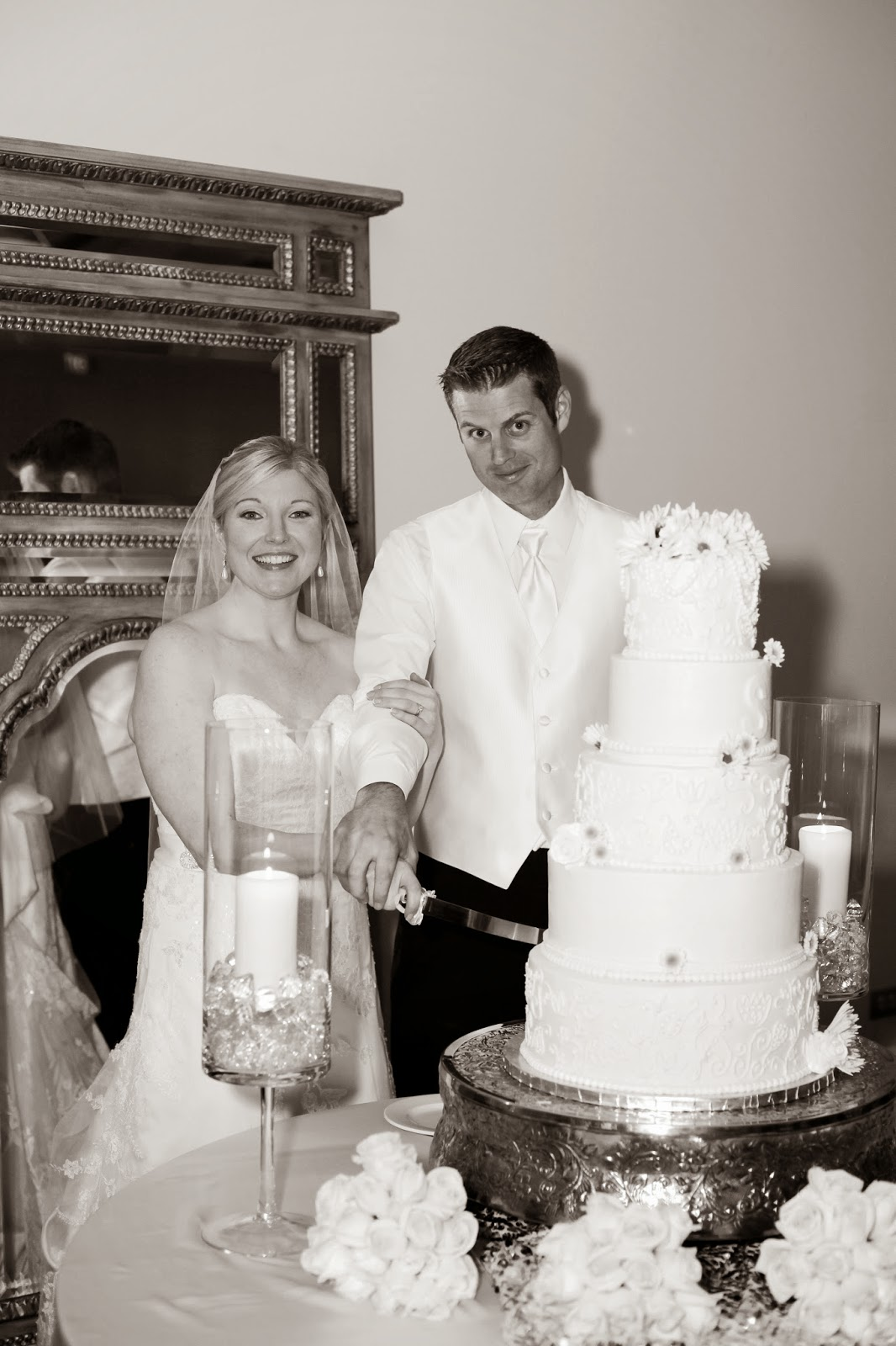 AAS: The Wedding Cake: Pearls and Lace