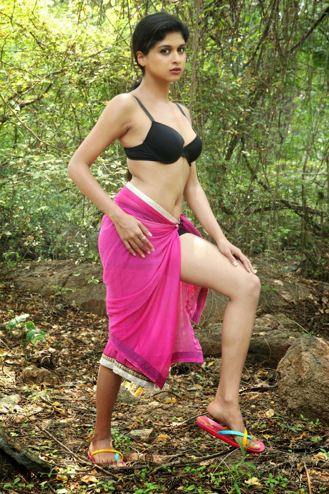 tollywood actress naveena hot pictures.