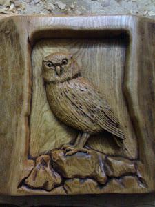 Mocho esculpido em madeira