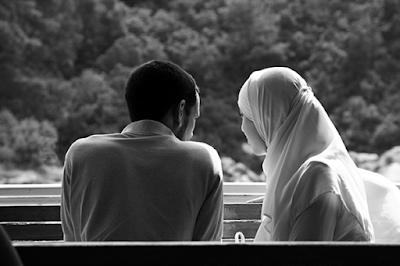 Melepas Suami Pergi Mencari Nafkah