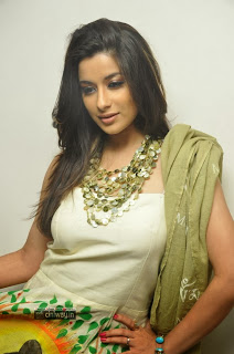 Actress-Madhurima-Unseen-Photos