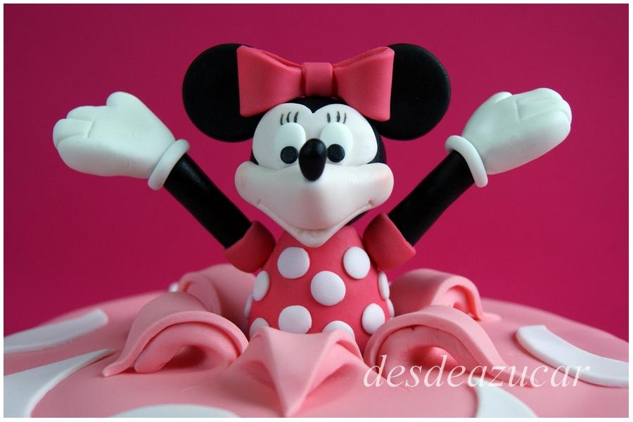 tarta fondant, tarta infantil, figuras modeladas, minnie mouse, tarta Minni Mouse, tarta fondant Minnie Mouse, tarta fondant Sevilla