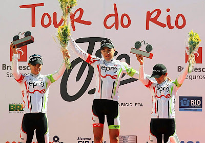 http://1.bp.blogspot.com/-m5AgkpB_xrc/TjMTdXUW4aI/AAAAAAAAEDM/y9zG_M-DtoE/s640/Equipo-UNE-EPM-Tour-de-Rio-3ET-Podio-trio-600.jpg