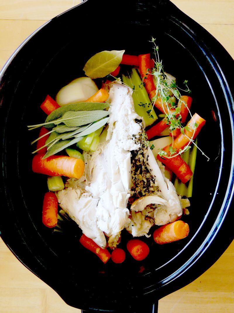 Slow Cooker Chicken Stock | Bobbi's Kozy Kitchen