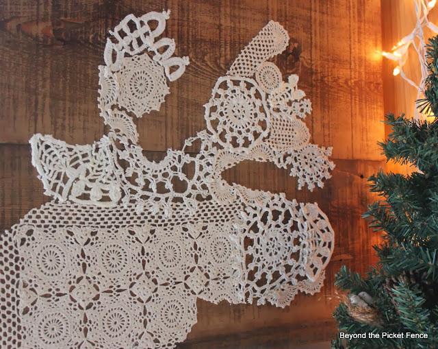 12 days of Christmas Merry Chrismoose http://bec4-beyondthepicketfence.blogspot.com/