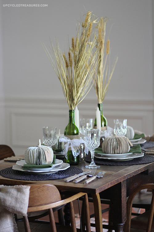 http://upcycledtreasures.com/2013/09/5-fall-tablescape-ideas/