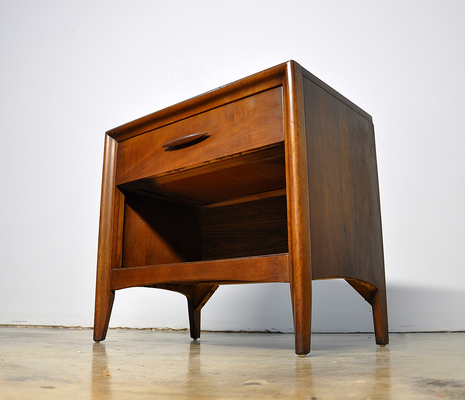 SELECT MODERN Broyhill Nightstand Side or End Table