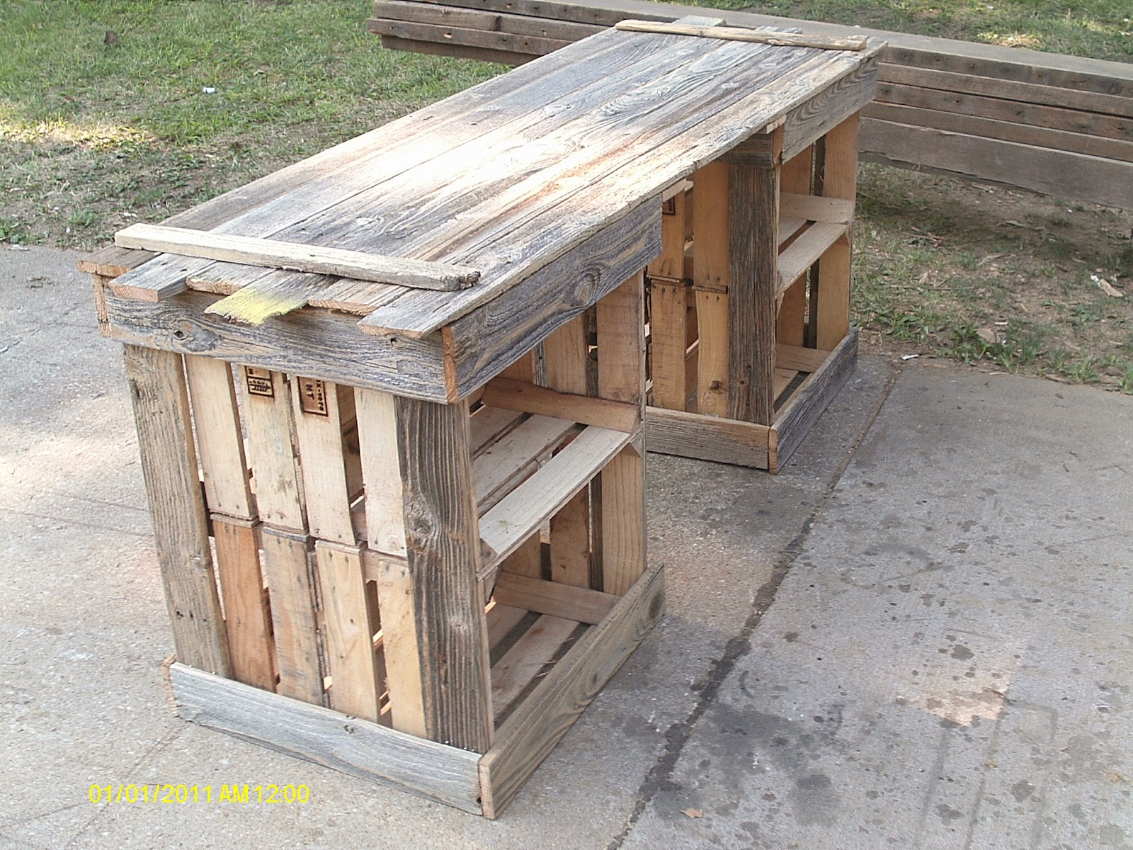 handmade rustic & log furniture: rustic crate table & reclaimed