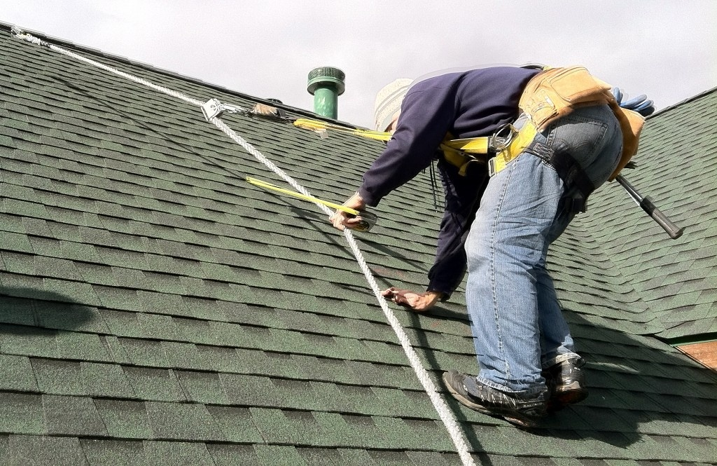 How To Stay Safe During DIY Roof Repair