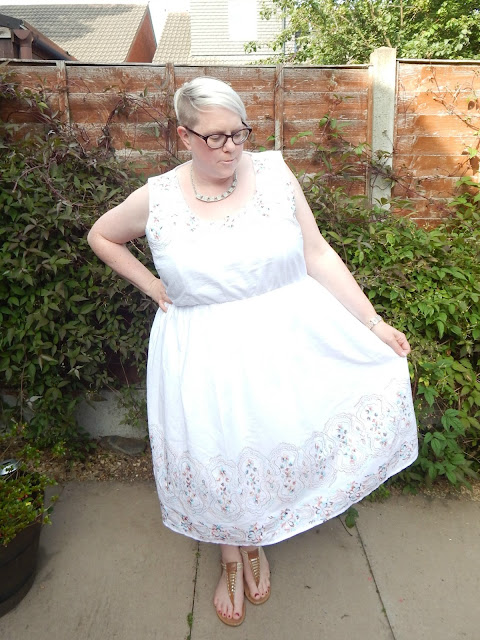 Lovedrobe White Summer Dress size 24