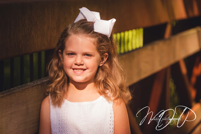 ©2015 MHaas Photography family photography, louisville, ky family photos, anchorage park, family portraits, sisters, three girls