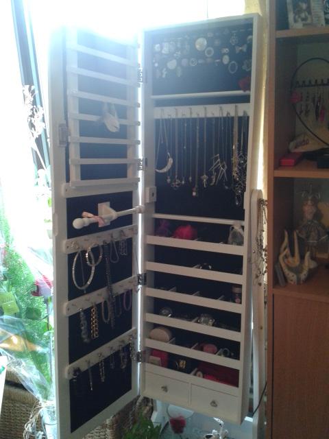 Mes rangements bijoux for Casa miroir bijoux