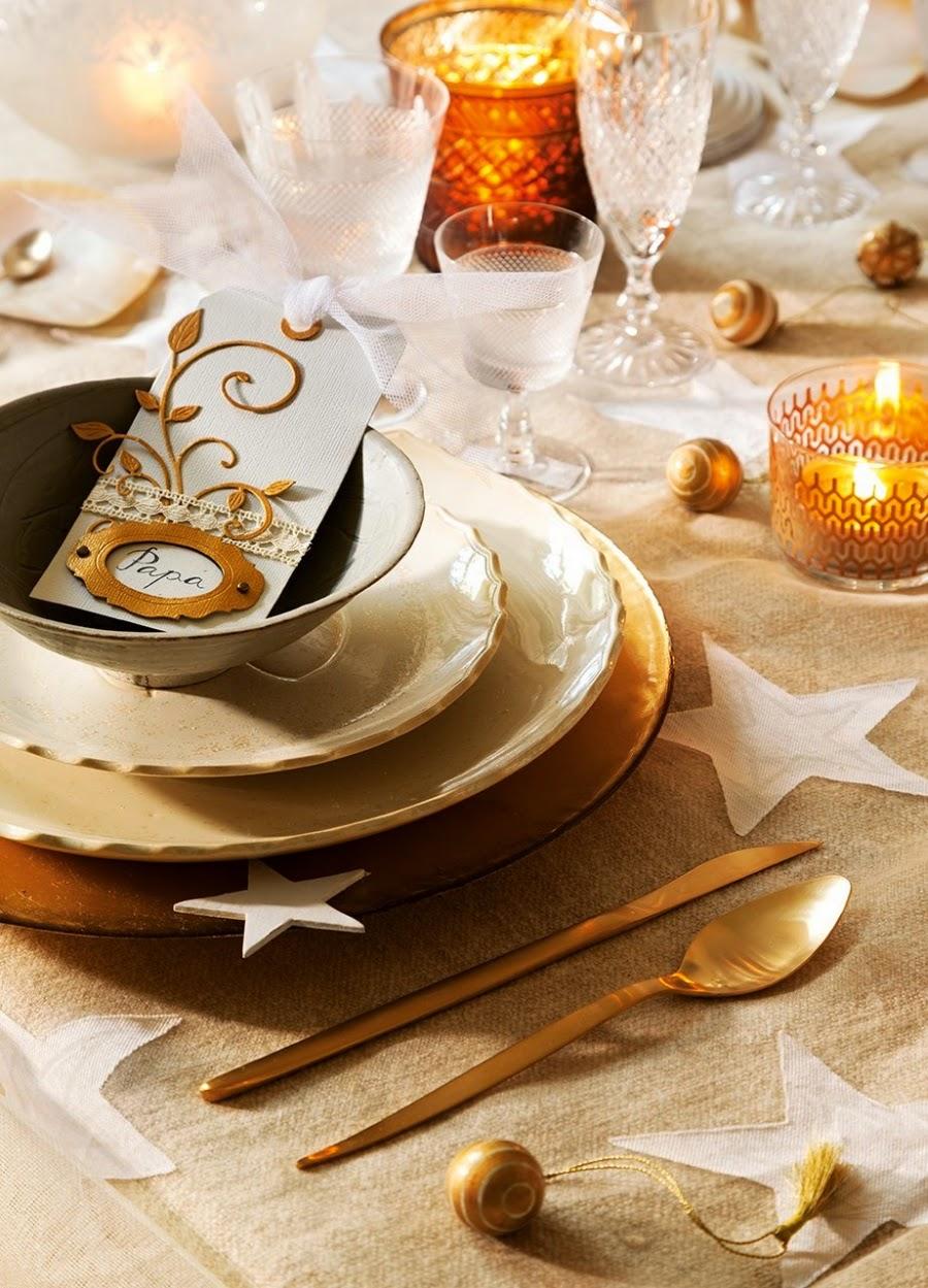 wystrój wnętrz, home decor, wnętrza, styl francuski, urządzanie mieszkania, Boże Narodzenie, Święta, zima, ozdoby świąteczne, styl francuski, białe wnętrza, biel, styl skandynawski, złote akcenty, choinka, jadalnia, zastawa