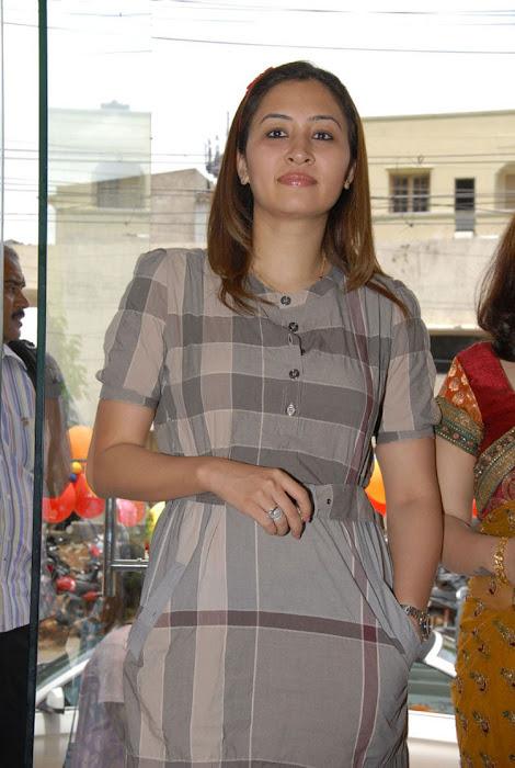 jwala gutta in public event unseen pics