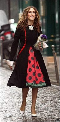 sarah-jessica-parker-sex-and-the-city-polka-dot-tulle-dress-paris