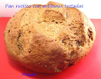 Pan rustico con avellanas tostadas