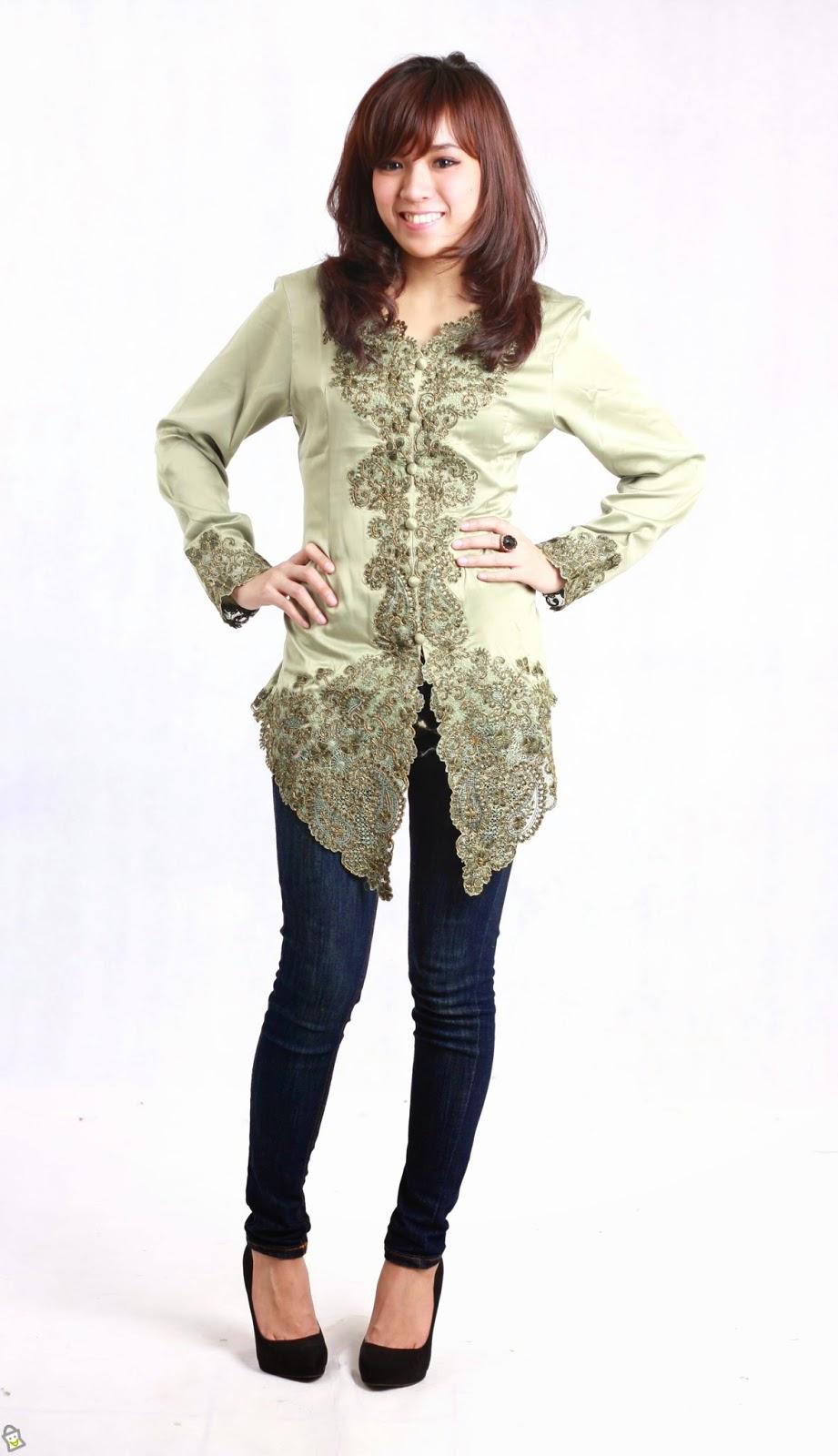 Baju Muslim Kebaya Modern untuk Wisuda