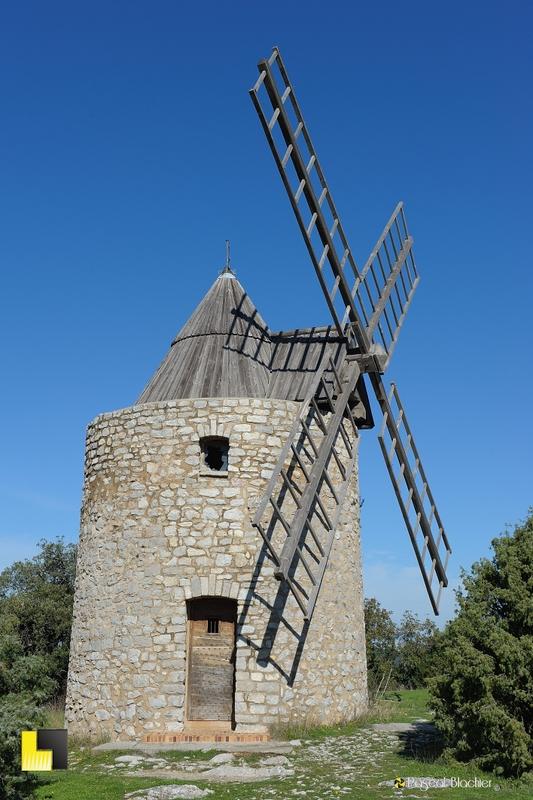 le moulin à vent de saint julien dans le var photo pascal blachier au dela du cliché