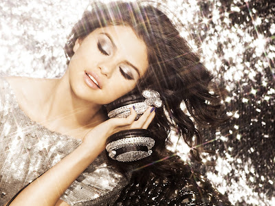 Selena Gomez Hairstyle Idea 2012