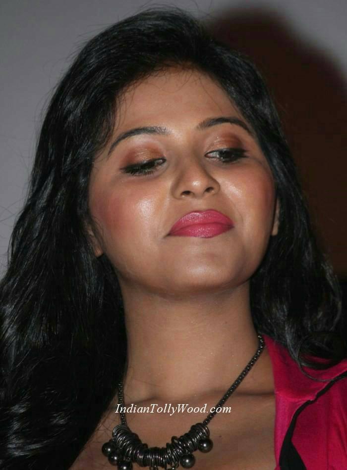 indian stunning actress anjali hot sexy and stunning pics