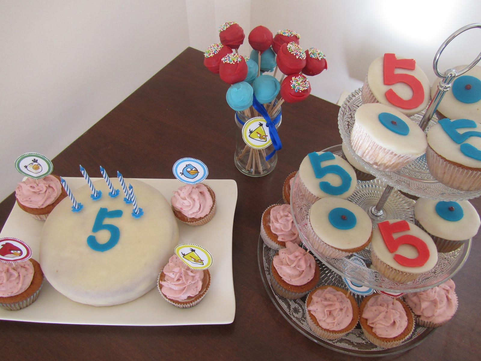 Franci s cupcakes robin s geburtstag - Cake pops 50 geburtstag ...