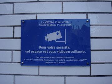 Placa de identificação  de Câmera de segurança - Aeroporto