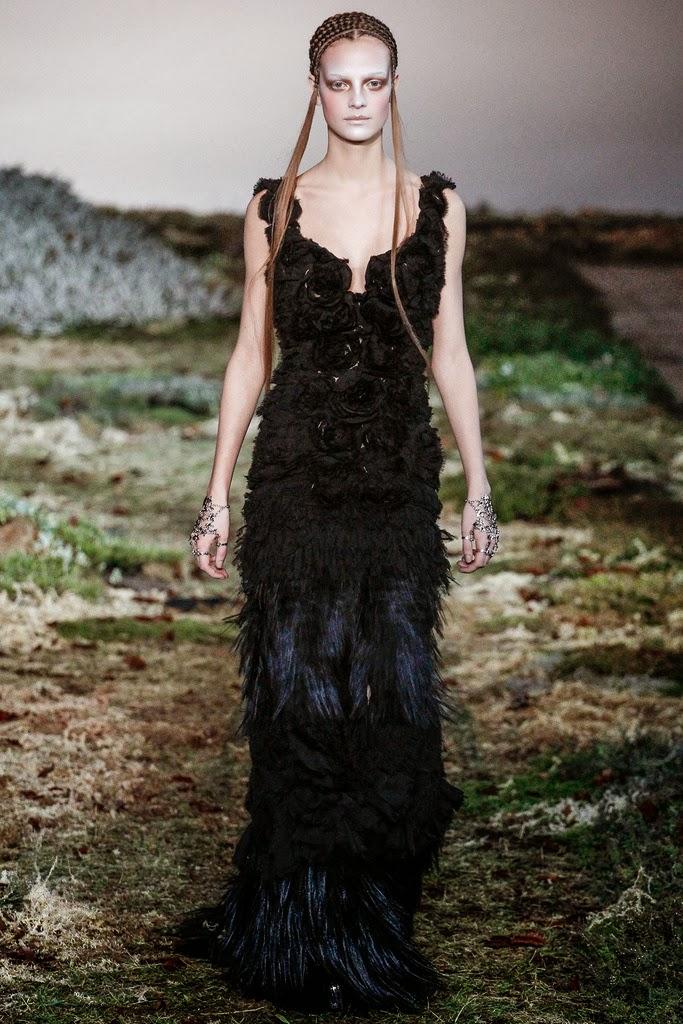 Alexander McQueen Paris Fashion Week Otoño Invierno 2014-2015 15