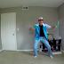 Se graba bailando durante 100 días