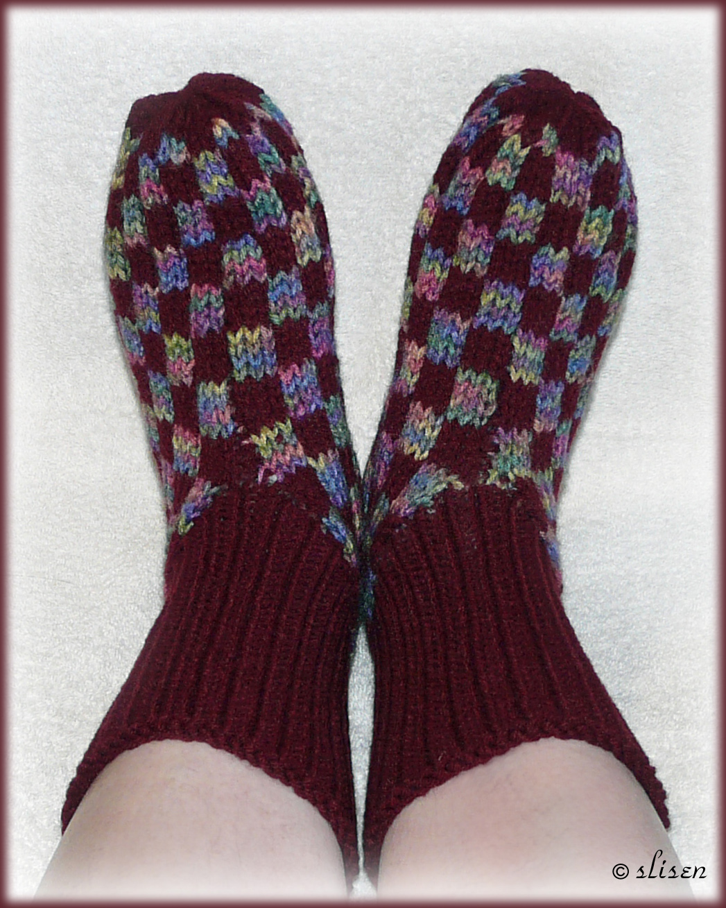 Knitting Pattern For Checkerboard Slippers : Slisens Happy Place: Fairisle Checkerboard Slippers