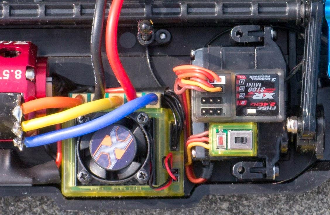LANE Boys RC: Shorten your servo wires