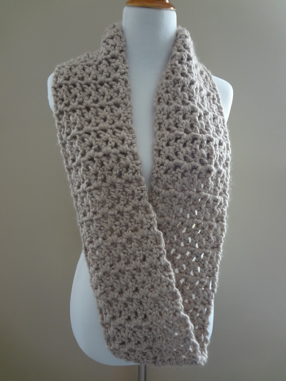 Free Crochet Patterns For Dressy Scarves : Fiber Flux: Free Crochet Pattern...Pavement Infinity Scarf!