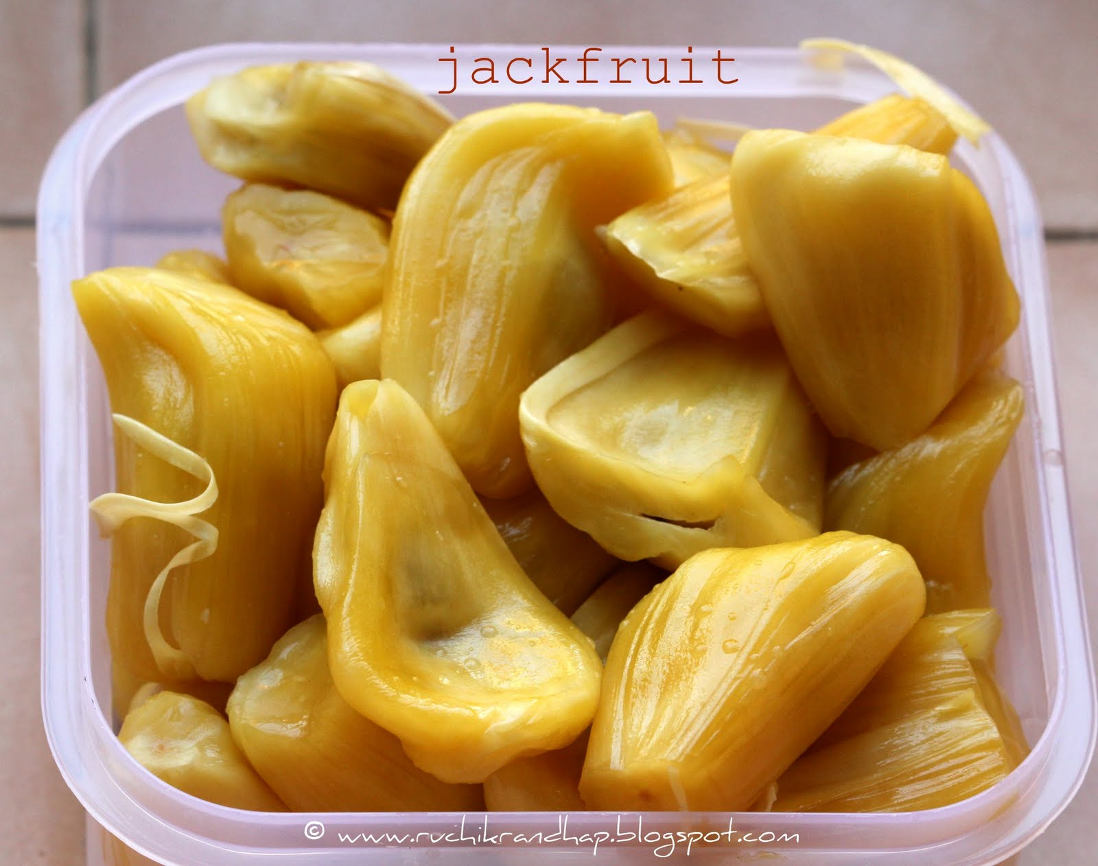 description of the jackfruit along with some tasty recipes Taste test: jackfruit jackfruit, put some kind of oil around your hands malaysia-frequently she'd take me along to market and we'd get the one.