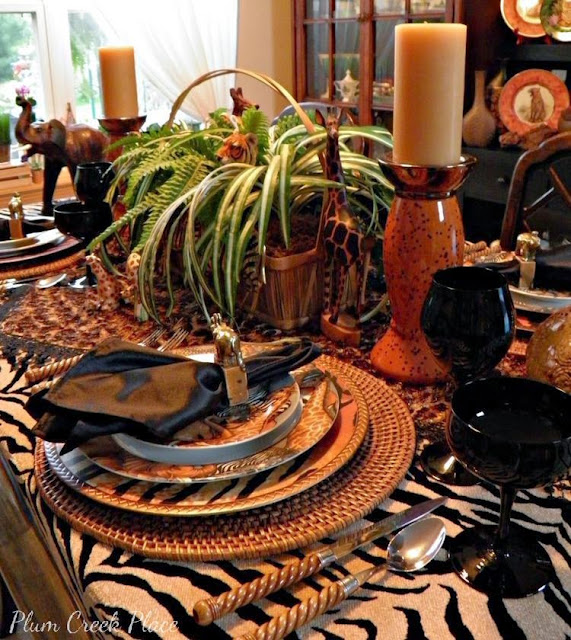 Jungle tablescape, Sakura jungle plates, giraffes, elephants