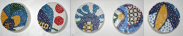 """""""Inspirowane haftem kaszubskim"""" guziki na płótnie ,średnica 25 cm"""