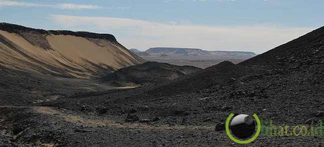 The Black Desert (Mesir)
