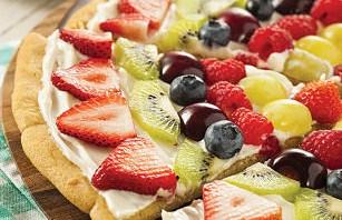 """<img src=""""pizza-de-frutas.jpg"""" alt=""""puedes usar cualquier tipo de fruta no cítrica ni digestiva para elaborar la pizza"""">"""