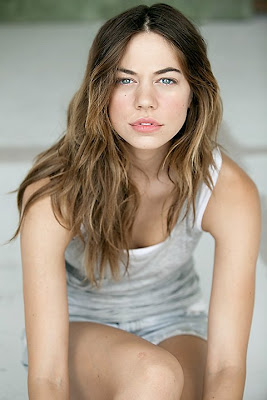 Analeigh Tipton With Haley Bennet In Wonderland Magazine