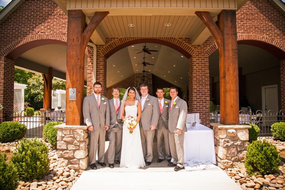 IMAGE: http://1.bp.blogspot.com/-m8_RAOWO4xY/U6rd8TQeNLI/AAAAAAAAPQc/wp4Ajpu0Ot0/s1600/wedding+edits+FINALS+web+(212+of+335).jpg