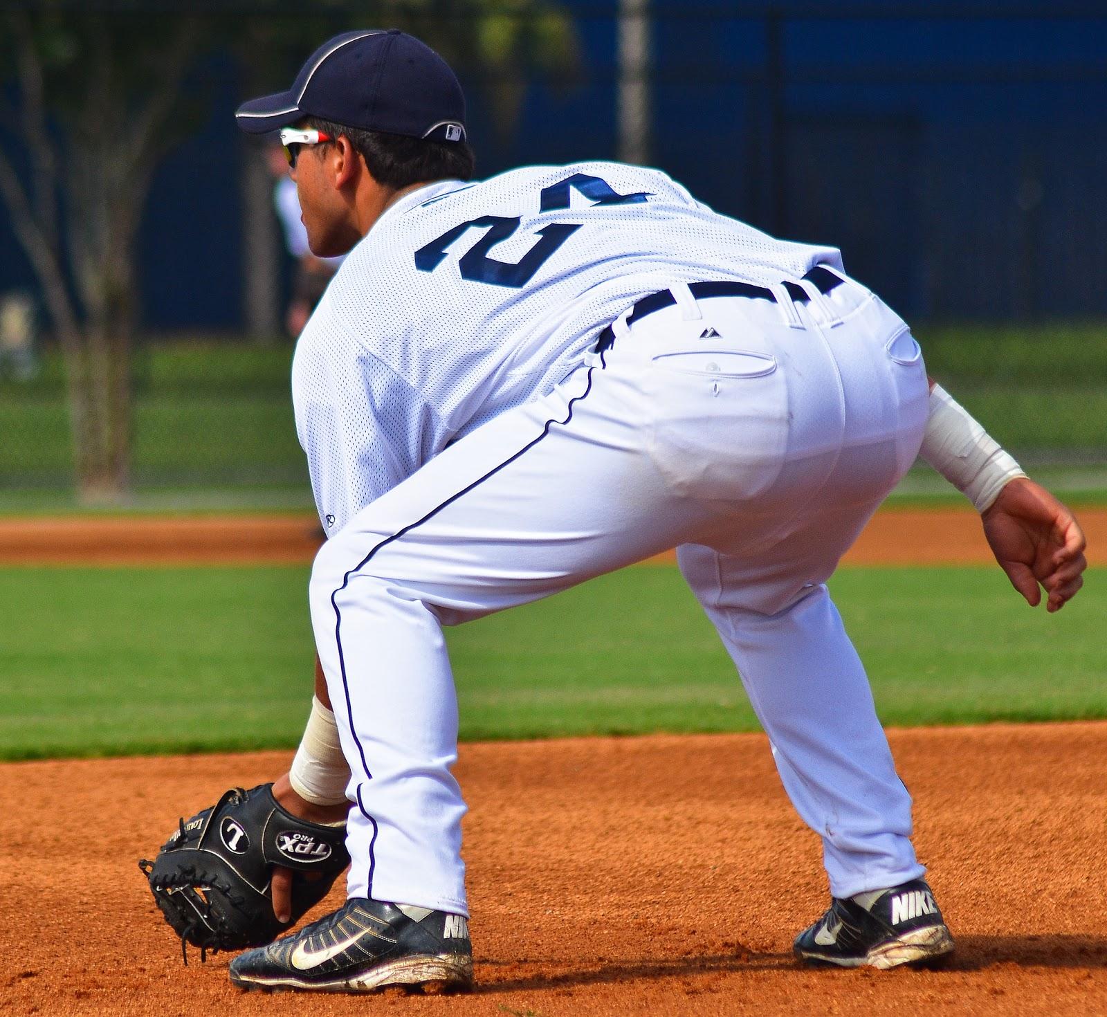 Hot Guys Nude: Baseball Players Bulges
