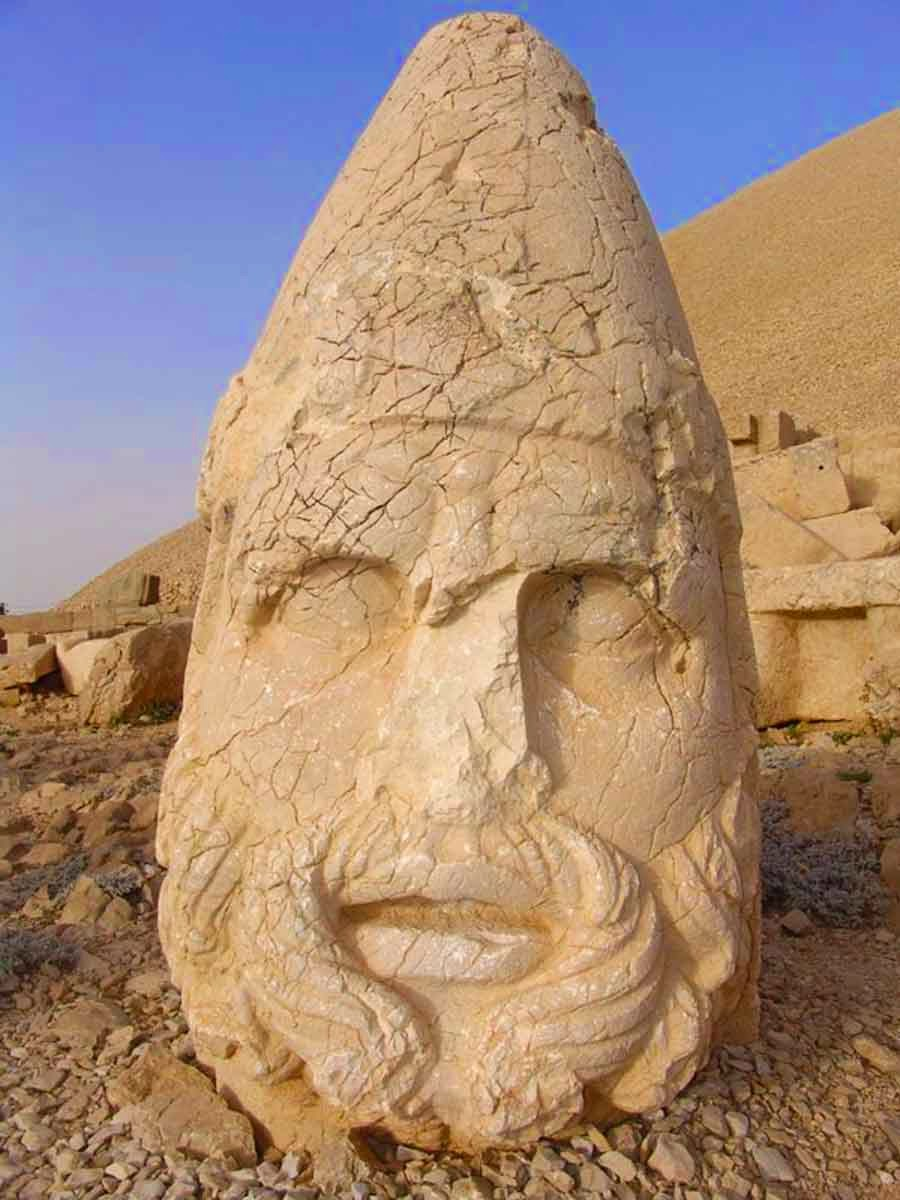 Nemrut Dağı Zeus Oromasdes