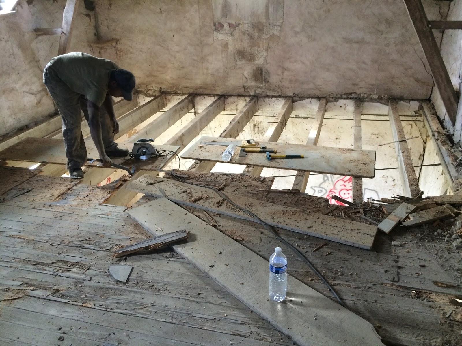 R novation d une maison de campagne plancher du grenier - Renovation maison de campagne ...