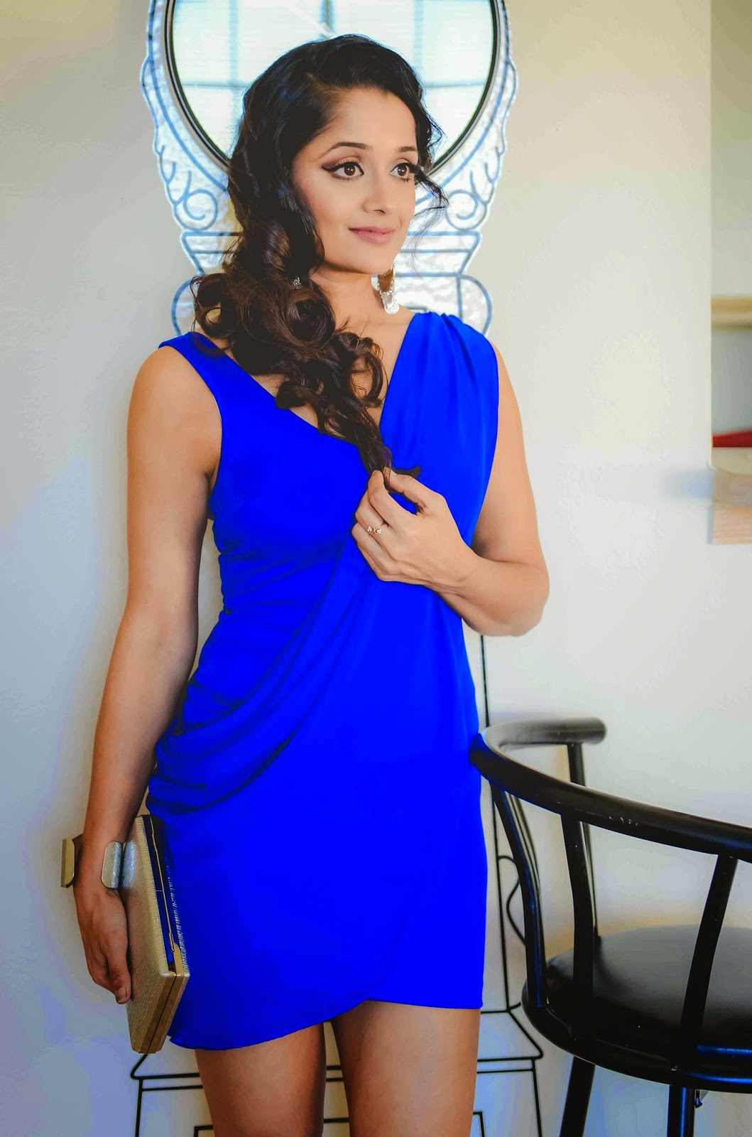 Indian Amercian mom, Indian fashion blogger, Fit mom, sexy blue dress, blue cocktail dress, Indian girl wearing a blue short dress