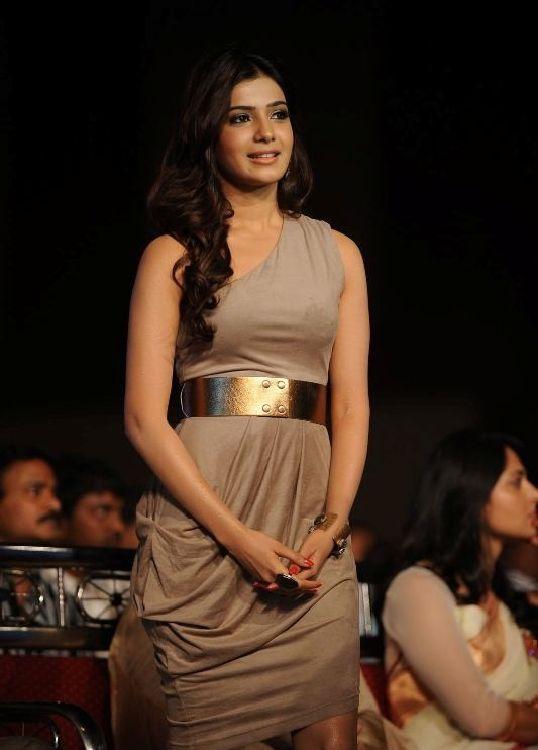 http://1.bp.blogspot.com/-m9BODJlkTII/TgQefXTa3KI/AAAAAAAAbC4/Ei_-HnWJBNA/s1600/telugu+actress+samantha+hot+wallpaper+3.jpg