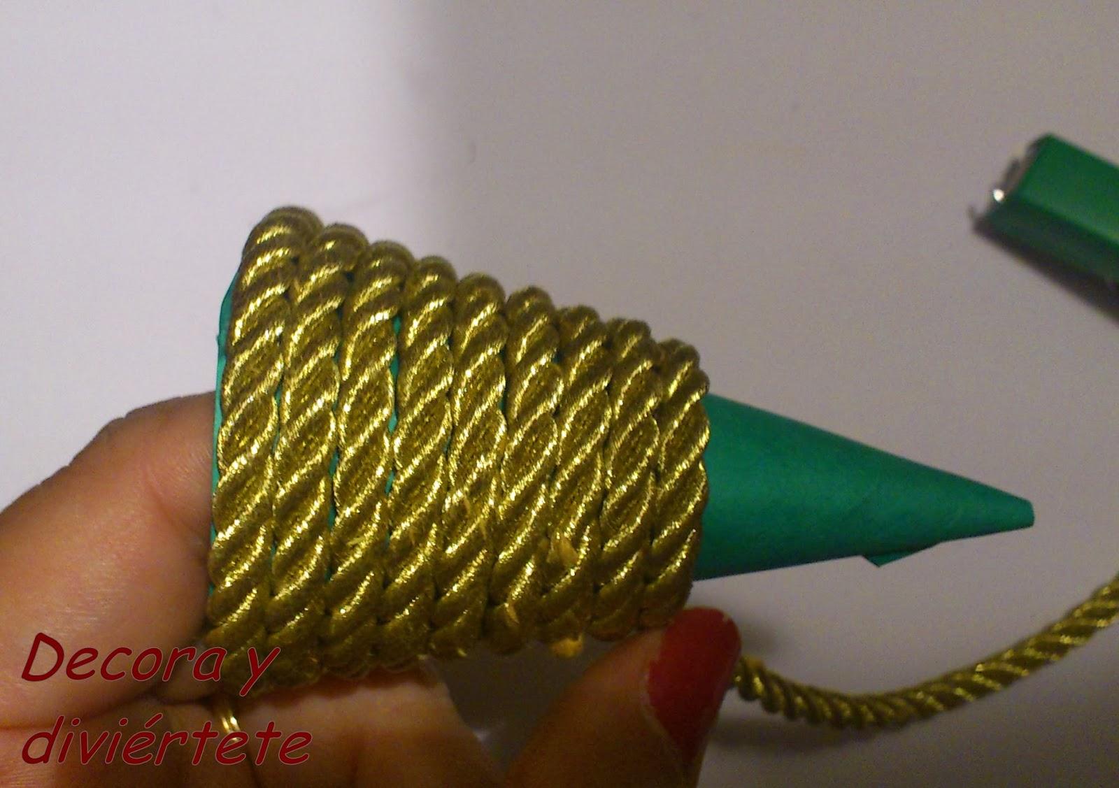 Diy paso a paso de como hacer un rbol de navidad decora - Como se decora un arbol de navidad ...