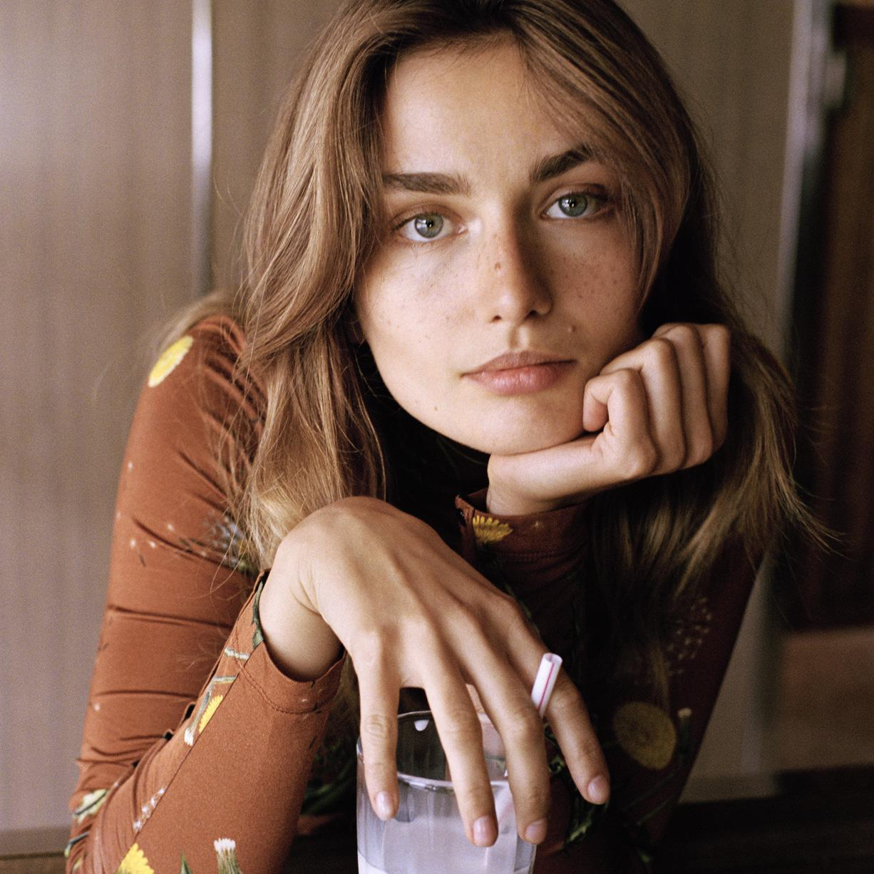 The charm of the 1970s... Andreea Diaconu for Telegraph Fashion September 2015 (photography: Dan Martensen, styling: Clare Richardson) via fashionedbylove.co.uk british fashion blog