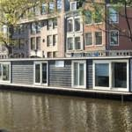 Spend the night on a houseboat in the center of Amsterdam